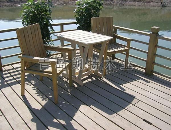 山东防腐木防腐木地板怎么?它的优缺点及维护
