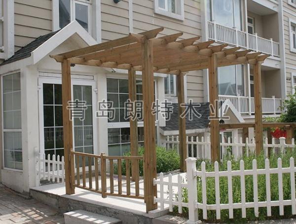 青岛朗特木业有限公司为您介绍山东防腐木,究竟能防多久的腐?
