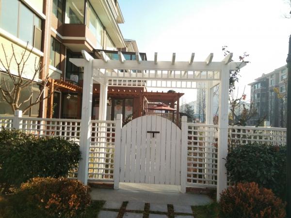 青岛防腐木栅栏门